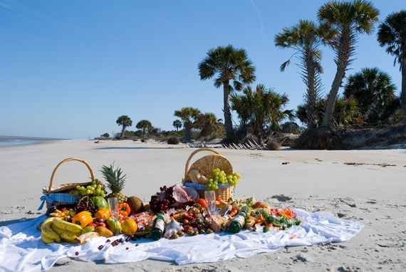 Prepare healthy meal for your family beach outing