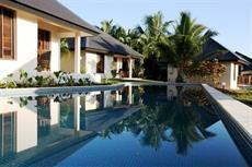 ../images/Mangoes-resort-pool-230.jpg